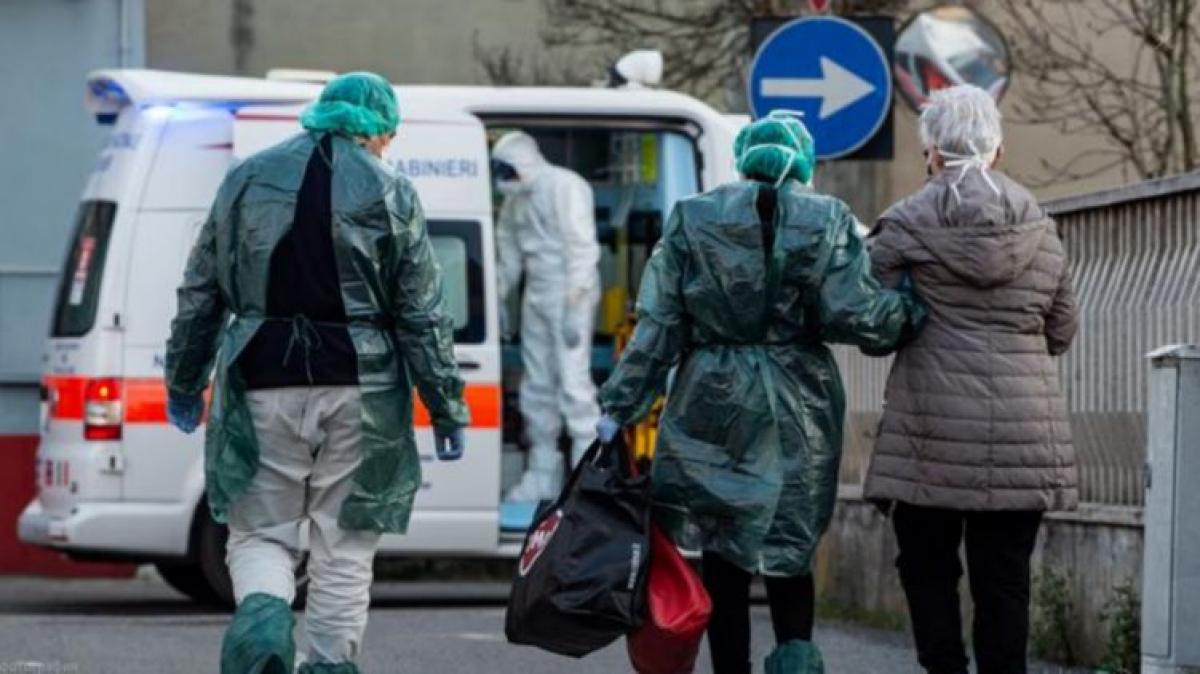 Родным умершей от коронавируса 71-летней жительницы Житомирщины запретили быть на похоронах, детали