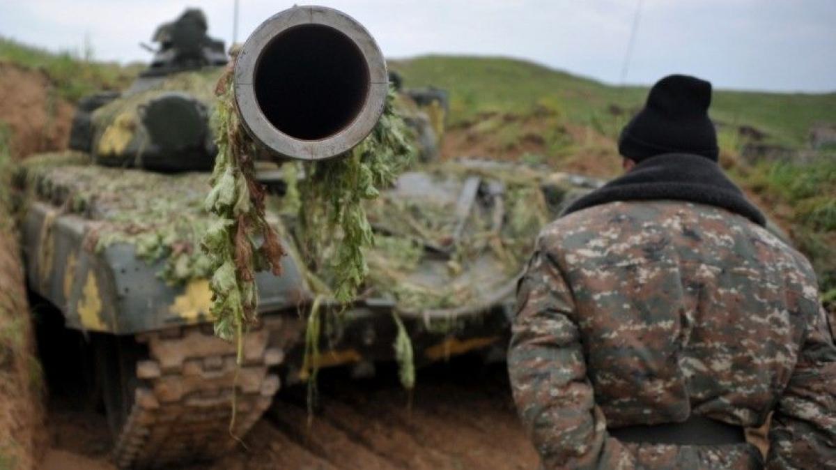 Война за Карабах усиливается: бои идут по всем направлениям - Минобороны Армении