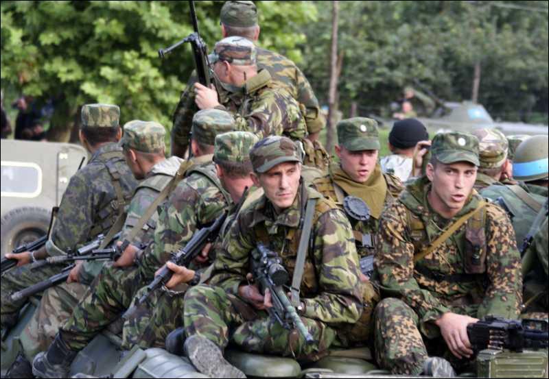 СНБО: в Донбассе увеличивается присутствие российских военных