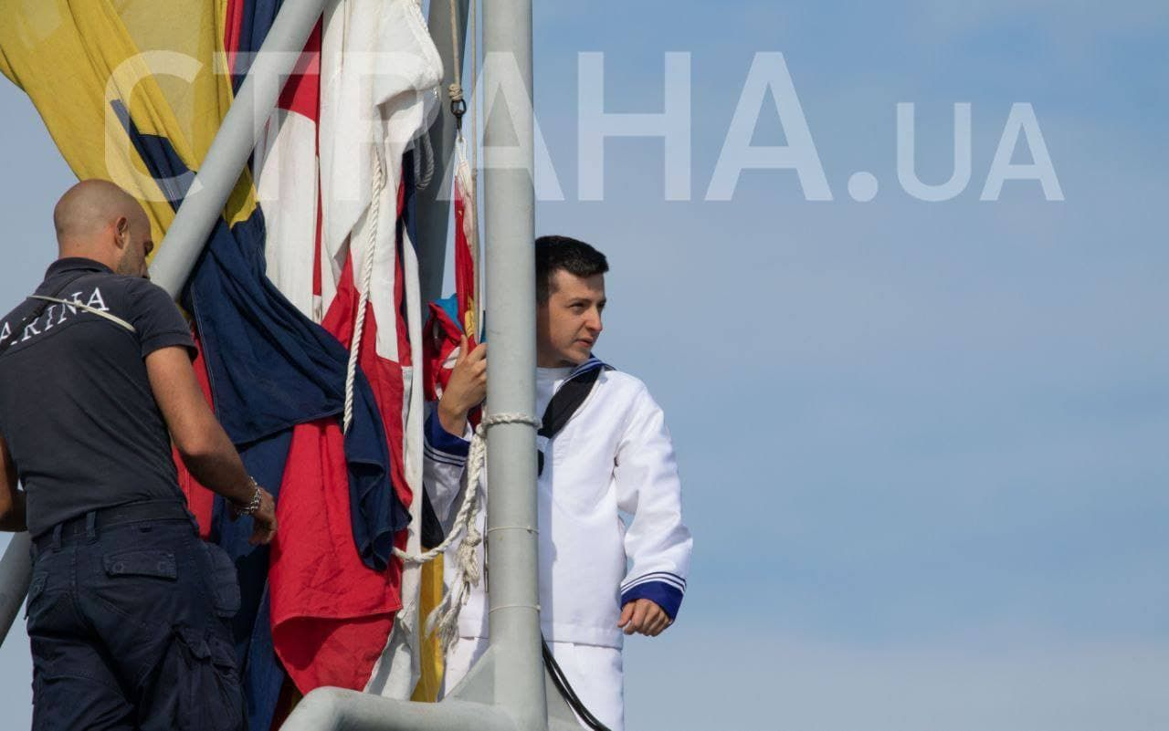 На учениях Sea Breeze в Черном море замечен двойник Зеленского: СМИ опубликовали фото