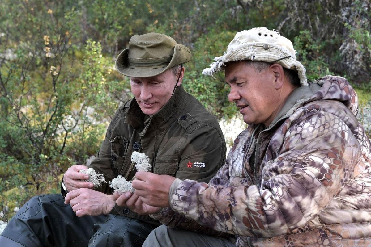 Путин и Шойгу проводили обряд жертвоприношения в безлюдном месте Сибири в момент гибели Зиничева - Яковина