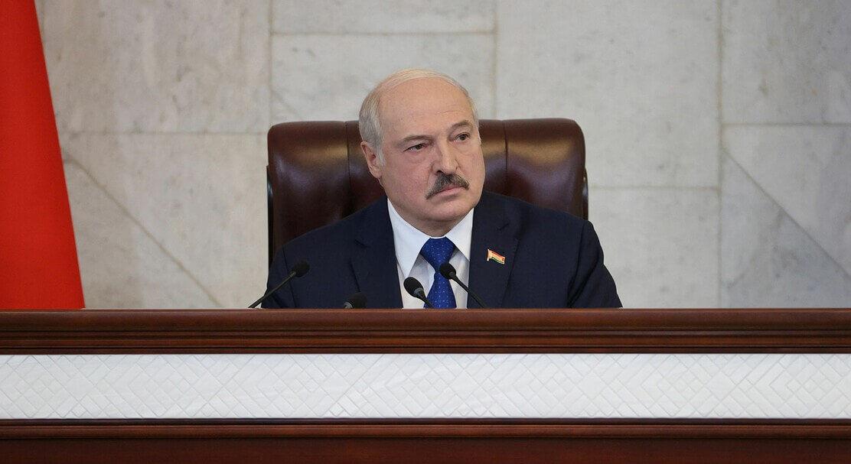 """Лукашенко угрожает закрыть авиасообщение с Украиной: """"Мы просто не будем принимать самолеты!"""""""