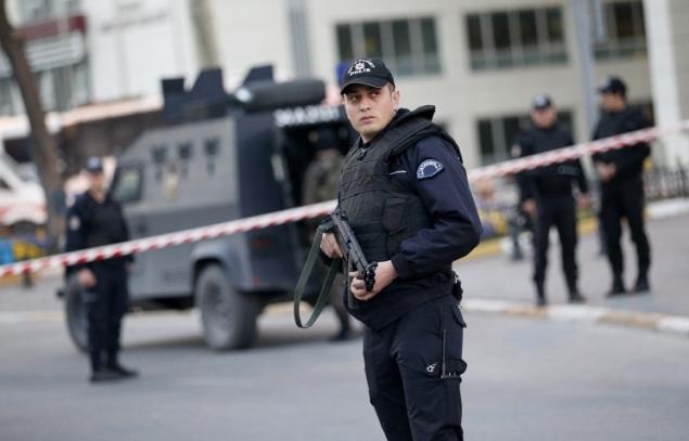 Теракт на юге Турции: взрыв прогремел около автовокзала. К месту ЧП съезжается большое количество скорых