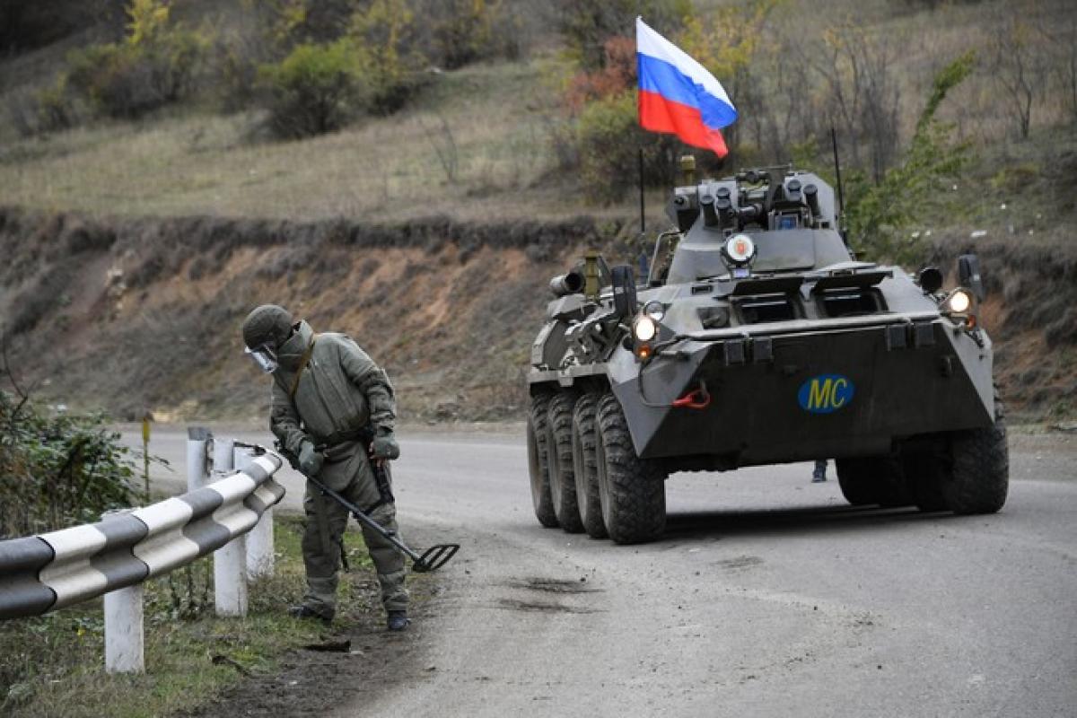 В Нагорном Карабахе ранен российский миротворец, азербайджанский военный погиб: росСМИ сообщают о взрыве