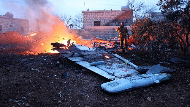 Катастрофа российского Су-25 в Сирии: сбившие штурмовик повстанцы рассказали, что нашли при обыске у погибшего пилота, - кадры
