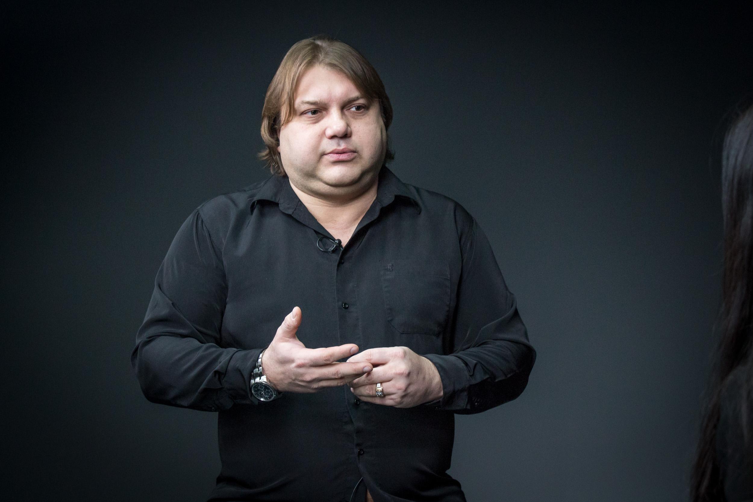 Взойдет Белая Луна: знаменитый астролог поделился резонансными пророчествами о войне на Донбассе