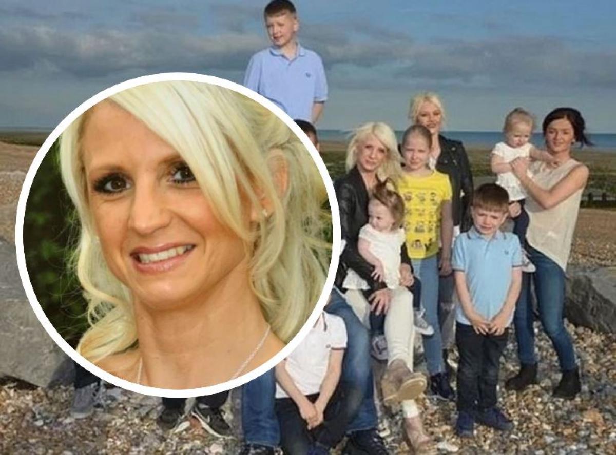 В Великобритании звезда телешоу и мать 13 детей Мэнди Гарднер покончила с собой