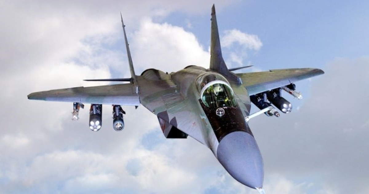 В Ливии сбили МИГ-29 с российским пилотом - у него мало времени на спасение, кадры