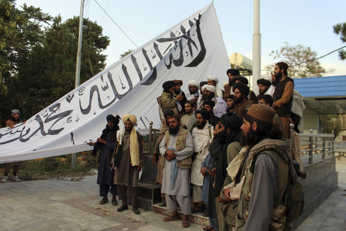 """СМИ: """"Талибан"""" нарушил одно из своих главных обещаний – в Афганистане началась """"охота"""""""