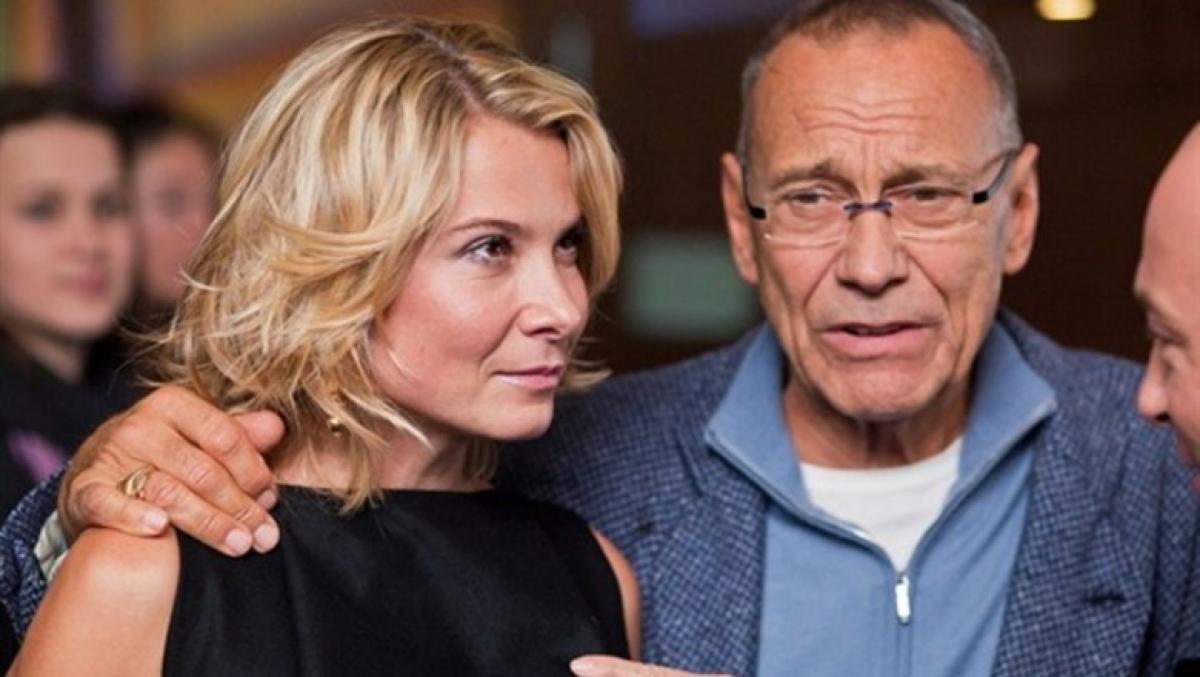 Парализованную дочь Кончаловского перевезли из Европы в Россию: режиссер запретил говорить о состоянии Маши