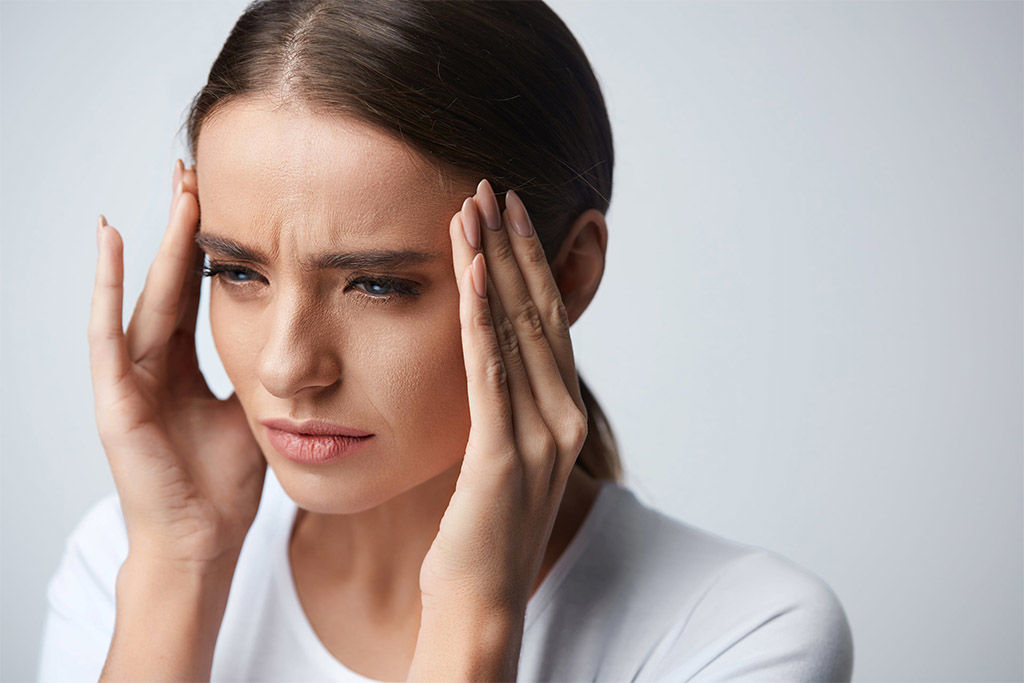 Как избавиться от головных болей без таблетки: нутрициолог назвала три топ-средства