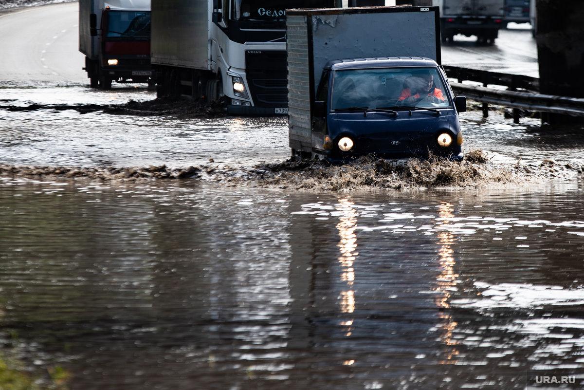 Ливни в Дагестане смывают дома и машины - целые села отрезаны от цивилизации