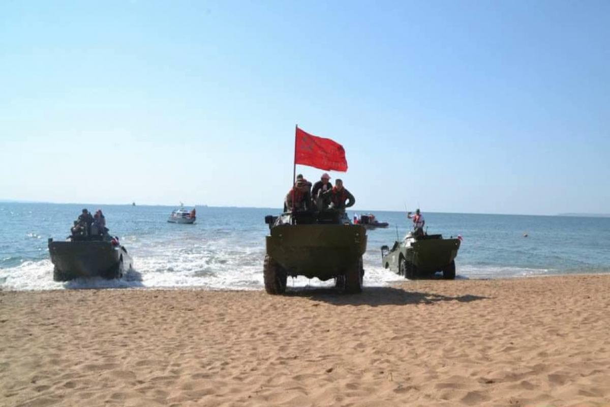 В Керченском проливе БРДМ с 5 военными на борту утонул в ходе патриотической акции ВС РФ