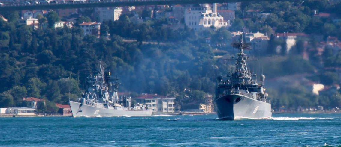 В аннексированном Крыму зашевелился российский флот: военные корабли стреляют по надводным и воздушным целям