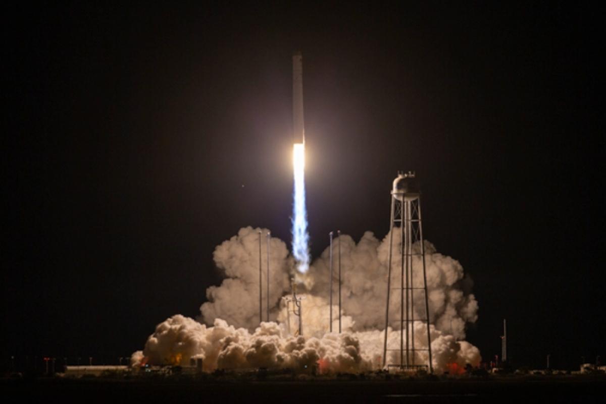 """Созданная с Украиной ракета NASA """"Антарес"""" отправила важный груз на МКС"""