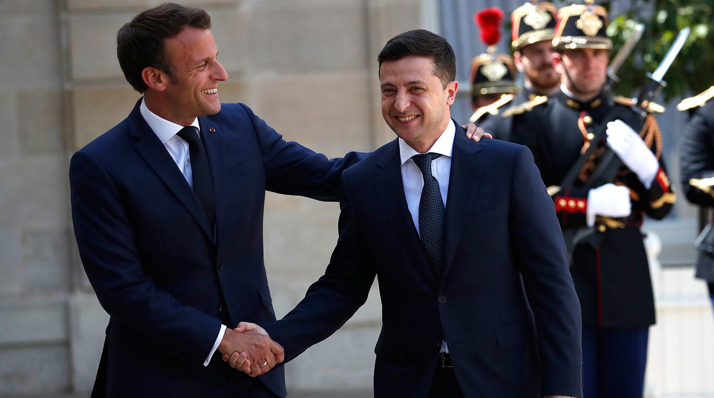 Зеленский поедет к Макрону в Париж: названа дата и главная тема переговоров