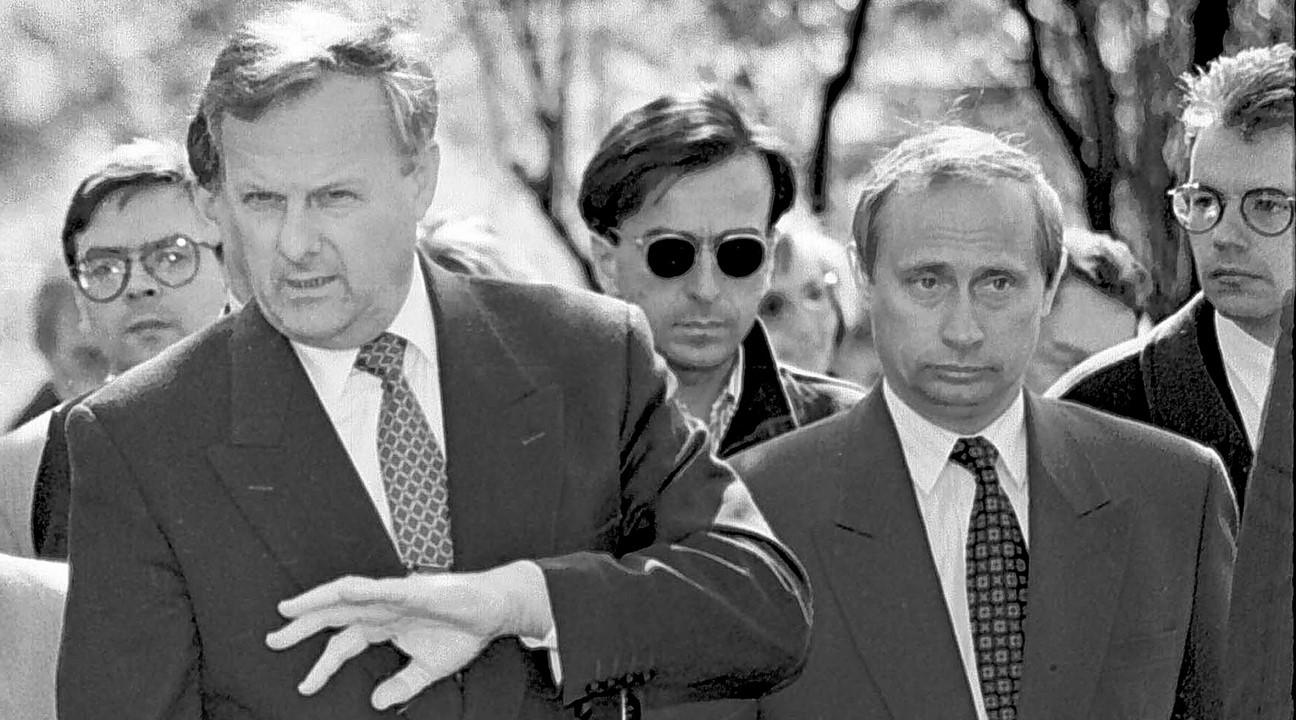 """""""Путин пошел по коридору: – Бабки делать надо! Бабки делать надо!"""" - закулисье президента России"""