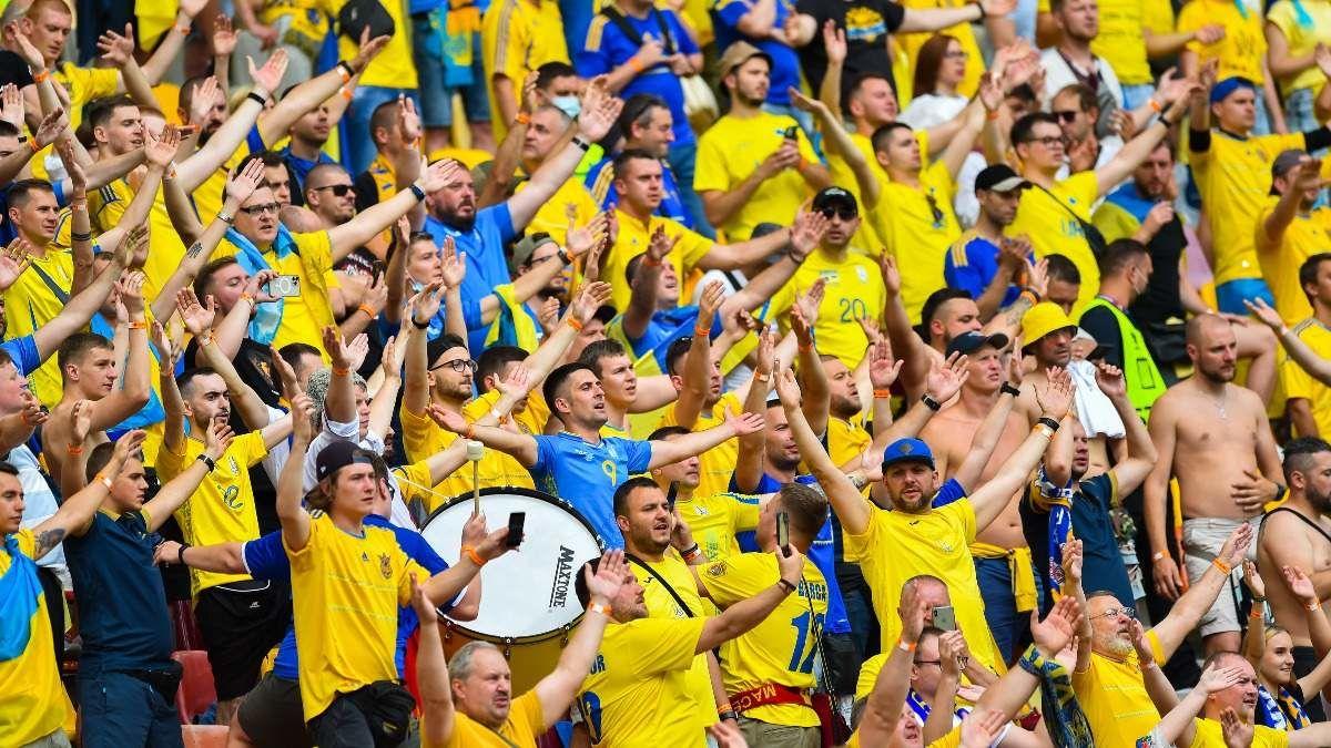 Украинцы не смогут полететь на матч против Англии в Рим
