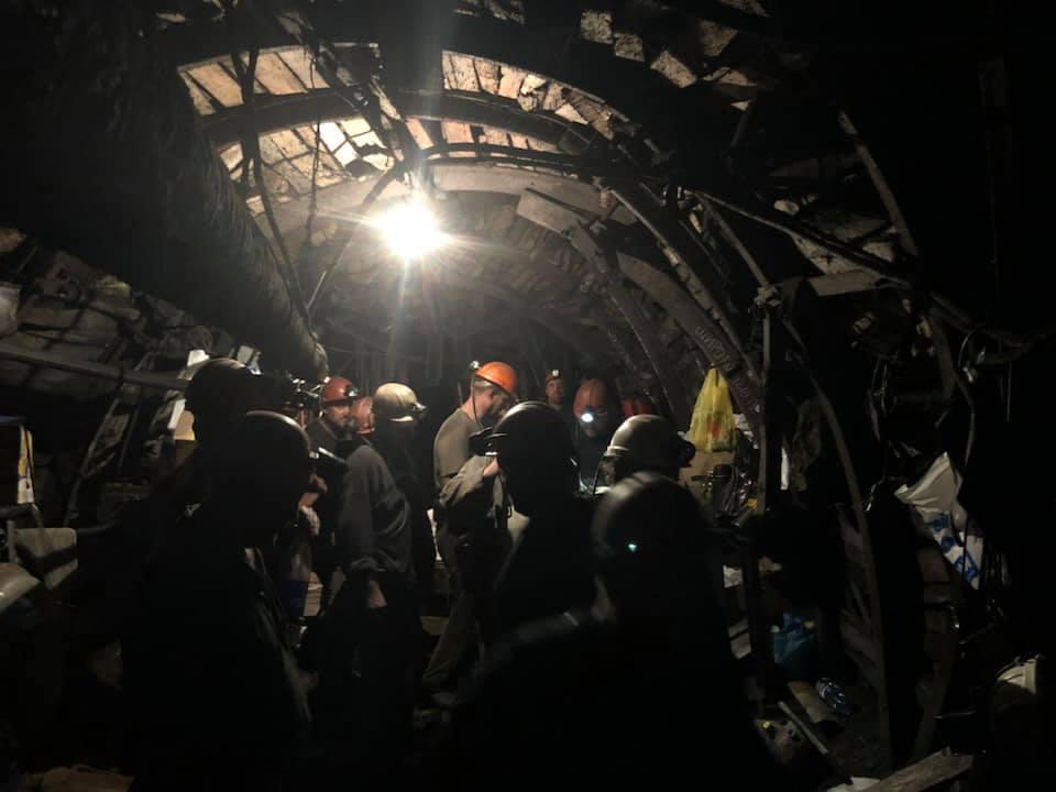 донбасс, шахтеры, забастовка, лисичанскуголь, зарплата, шахты, фото