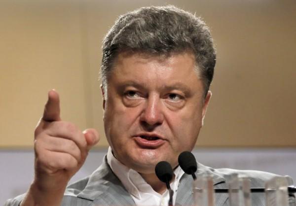 Порошенко призвал крымские компании судиться с Россией