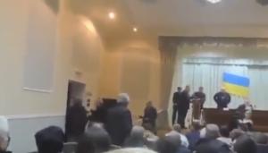 """""""Ватники"""" устроили мерзкий скандал на сессии Торецкого горсовета. Опубликовано новое видео: """"Украина – это уже не страна"""""""