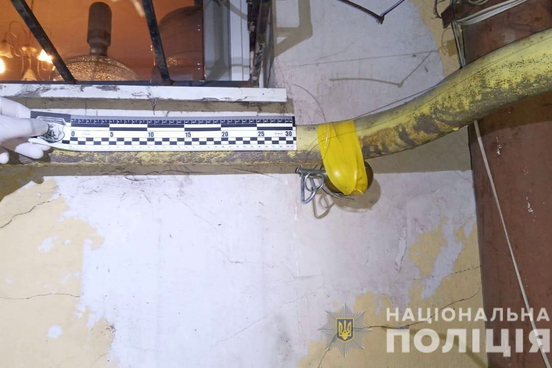 Газовая труба, желтый скотч и РГД-5: в Одессе неизвестные пытались взорвать многоэтажку