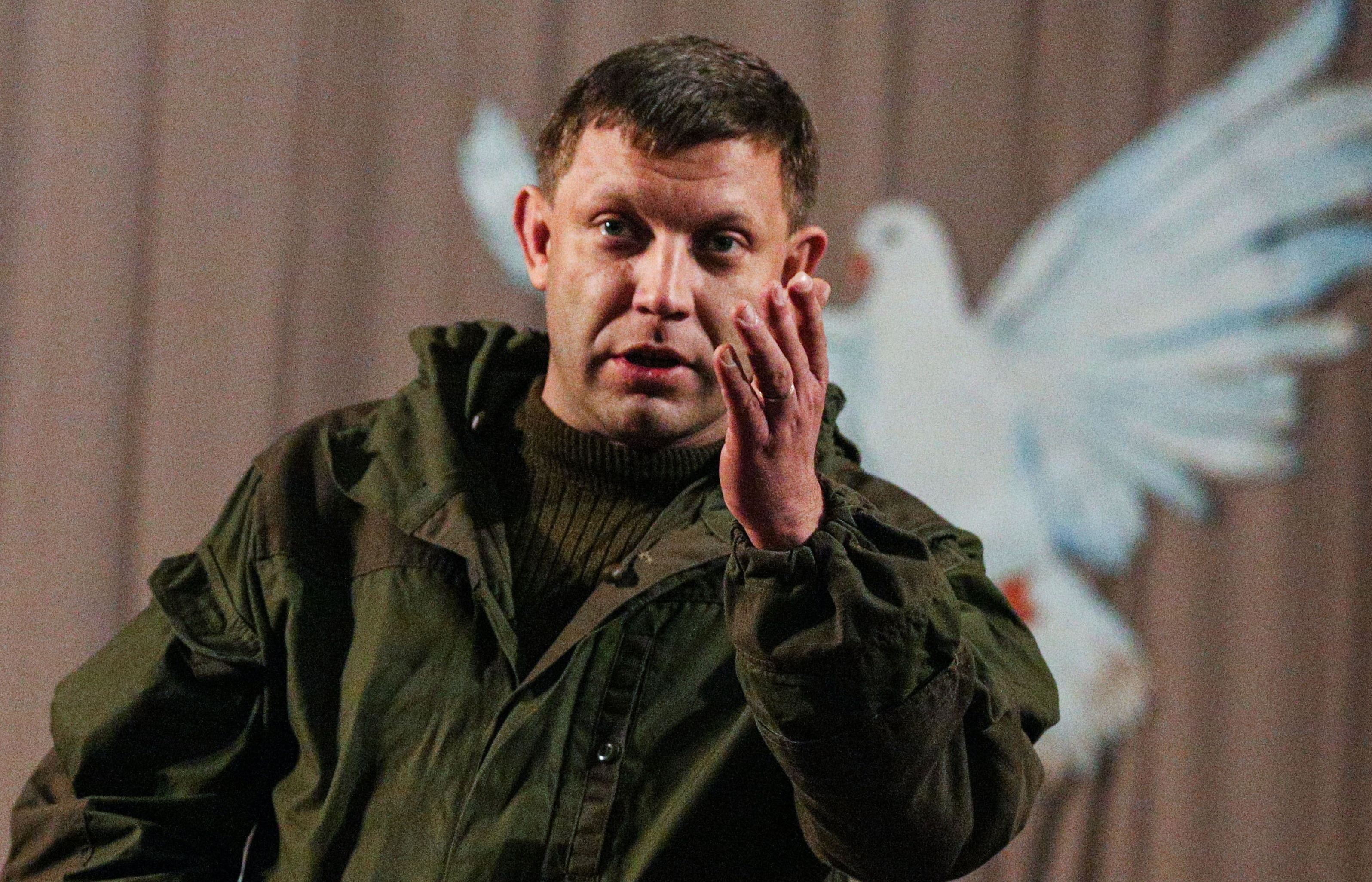 """Захарченко не унимается: автор """"Малороссии"""" предложил отдать Порошенко и Януковича под """"народный трибунал"""""""