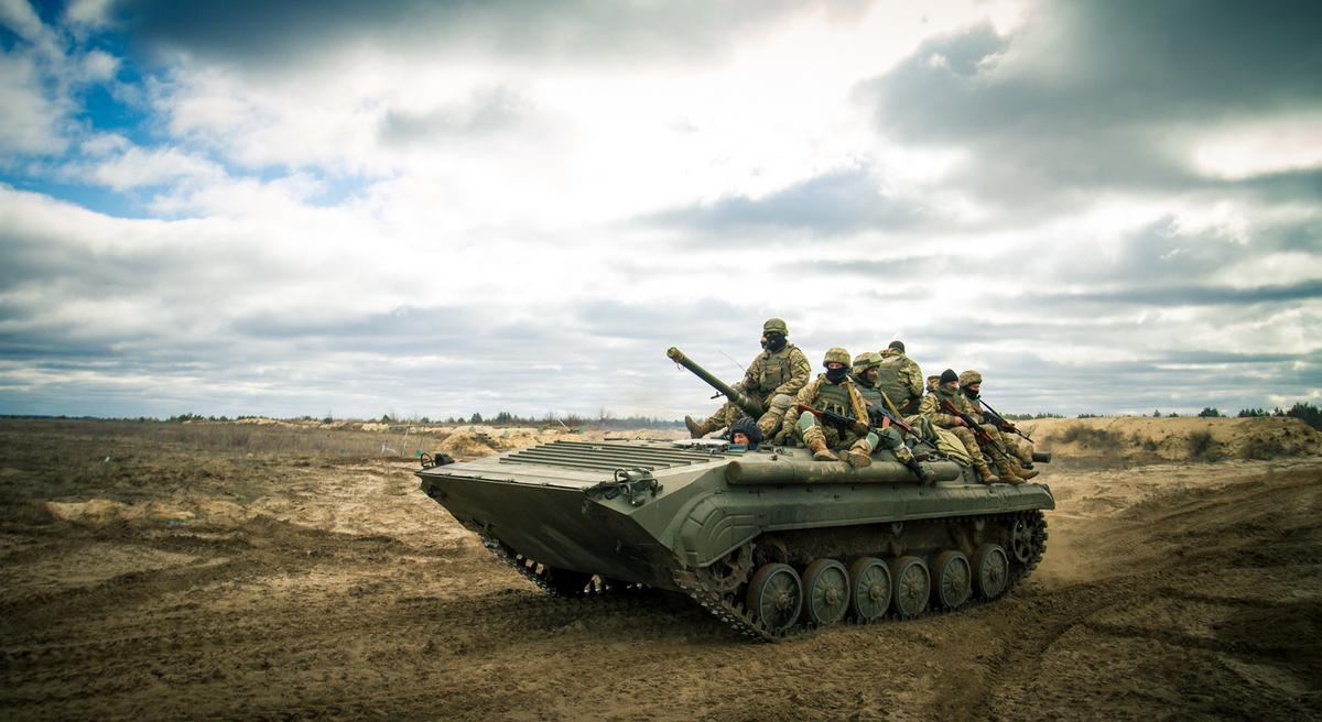 Форсирование реки, авиация и беспилотники: украинская армия показала свою мощь в наступательном бою