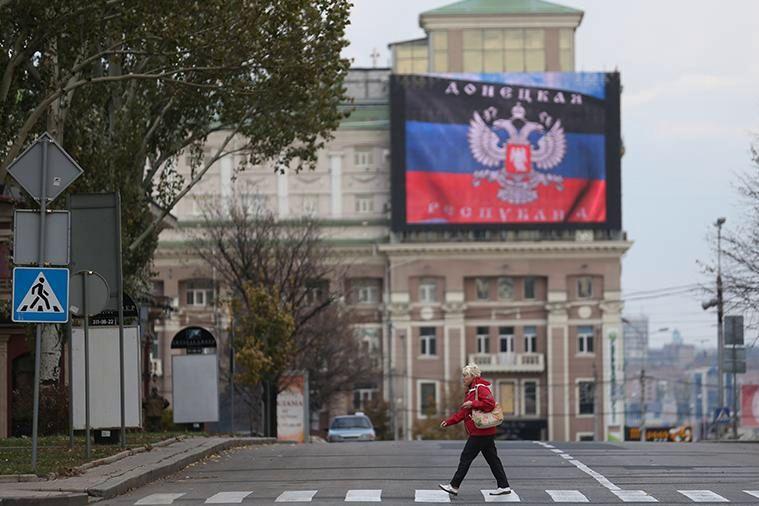 В Донецке начался захват квартир переселенцев: имущество опечатывают бумажками