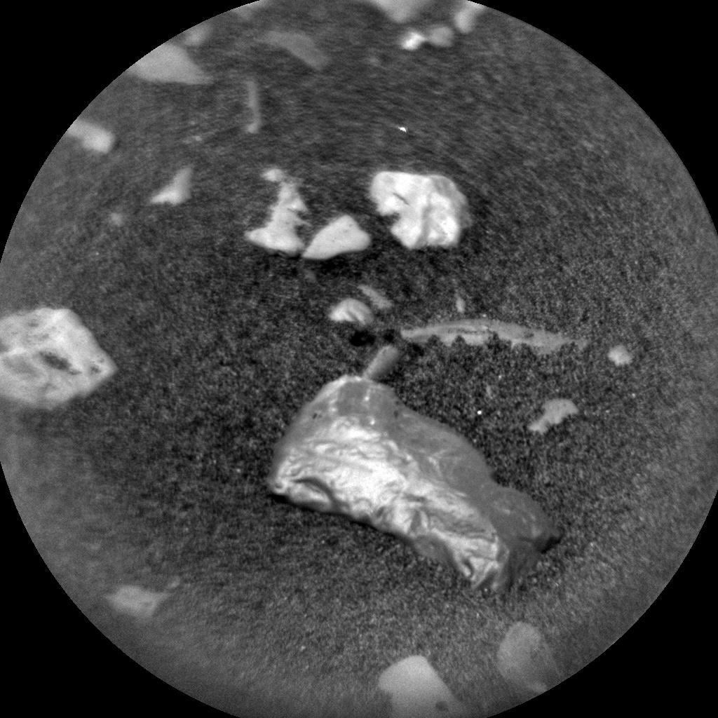 NASA на Марсе обнаружило некий блестящий объект, который может оказать сильное влияние на исследование планеты