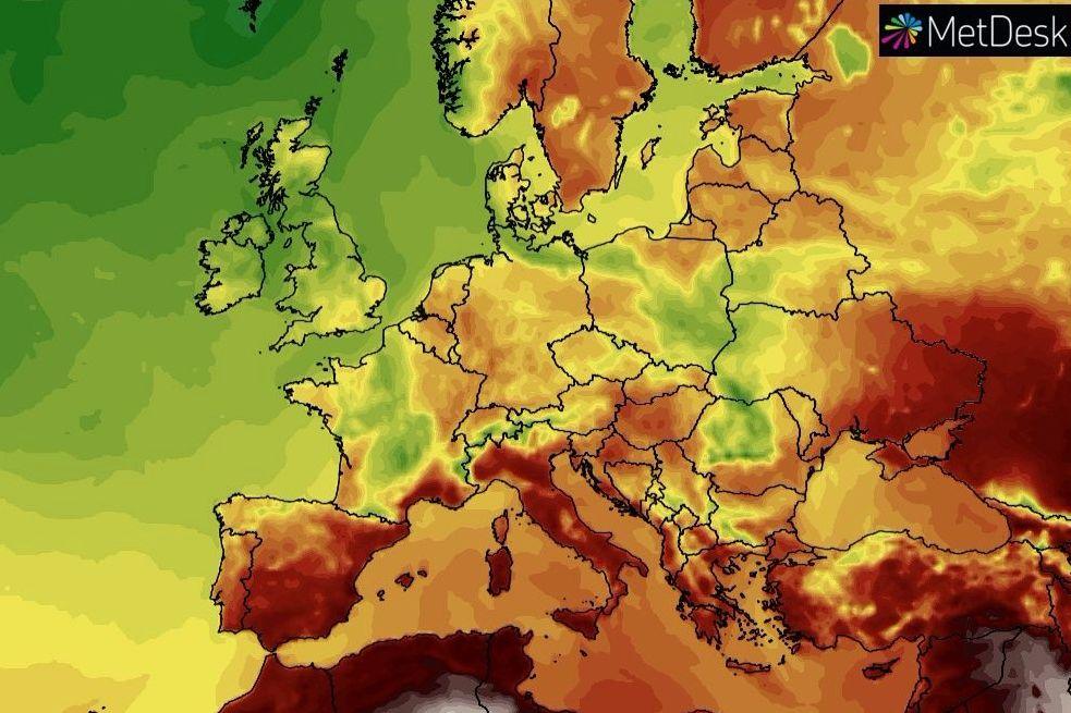 """Грозовые дожди и """"вменяемая"""" жара: синоптик сказала, к какой погоде готовиться Украине в выходные"""
