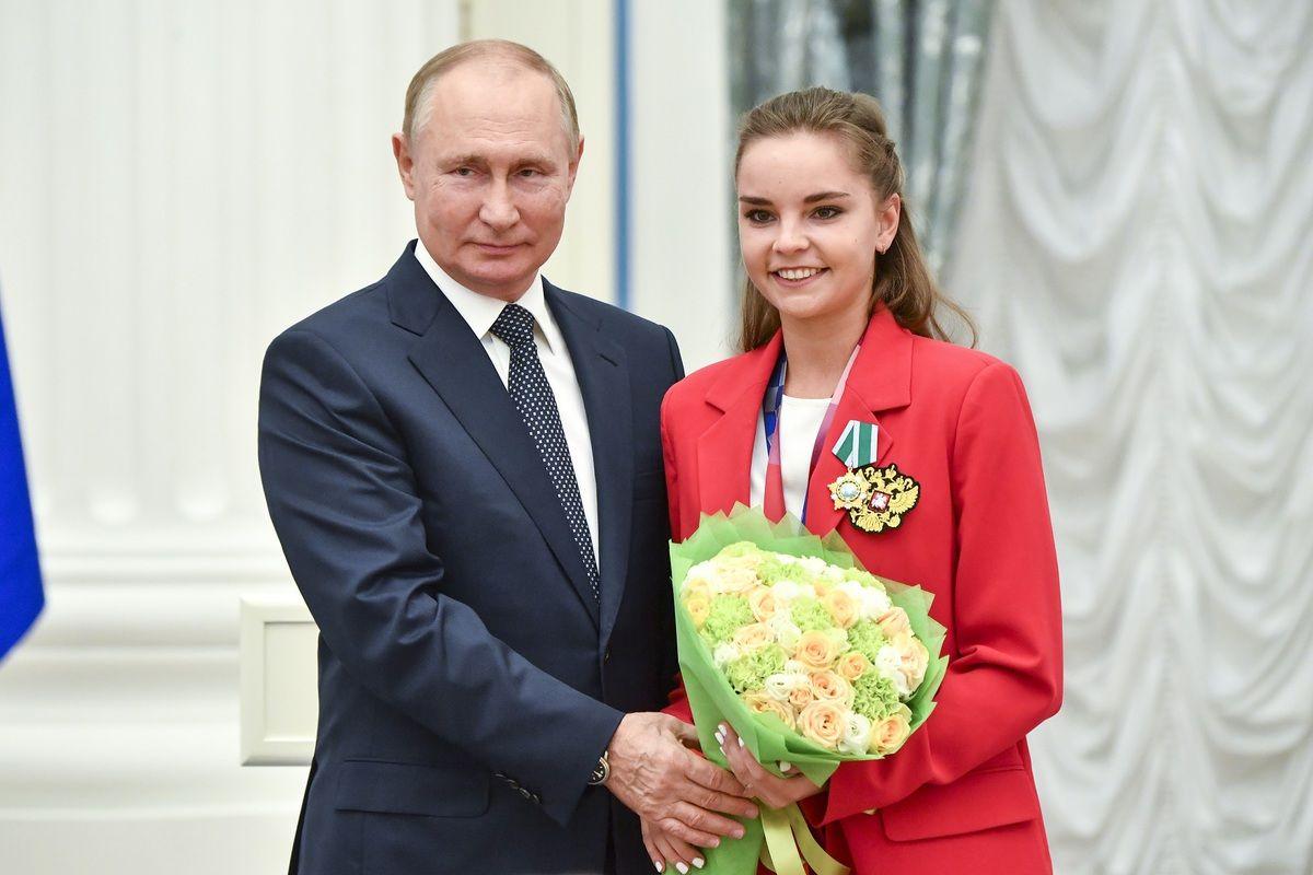 """""""Это же не военные учения"""", - Путин вмешался в скандал с гимнасткой Авериной на ОИ-2020"""