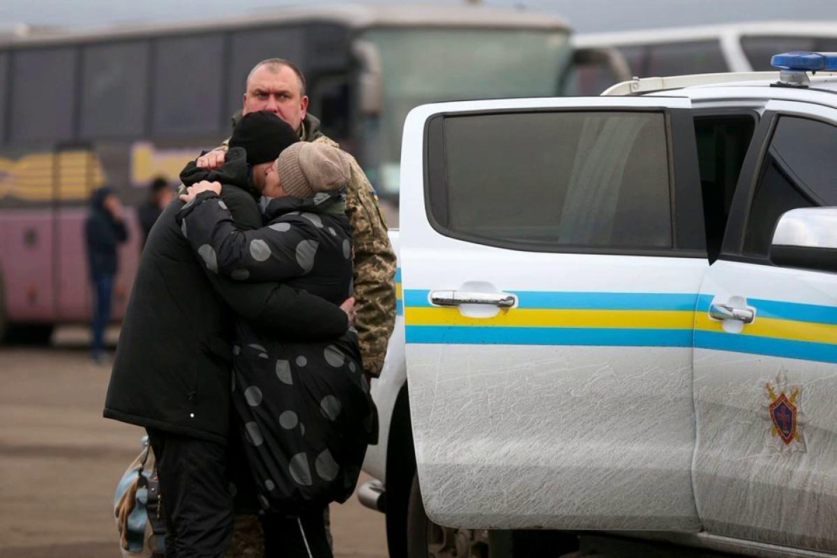 Обмен официально завершен: 76 украинцев освобождены из тюрем Донецка и Луганска и едут домой