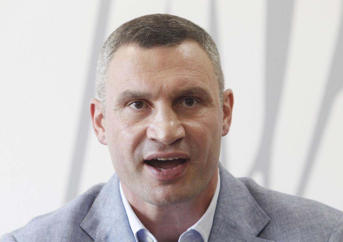 СБУ пришла с обысками в дом мэра Киева Виталия Кличко