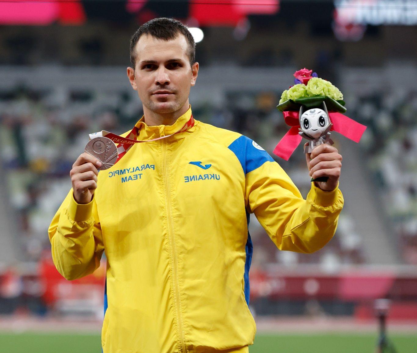 Бегун Цветов снова не захотел фотографироваться с россиянами на пьедестале Паралимпиады-2020