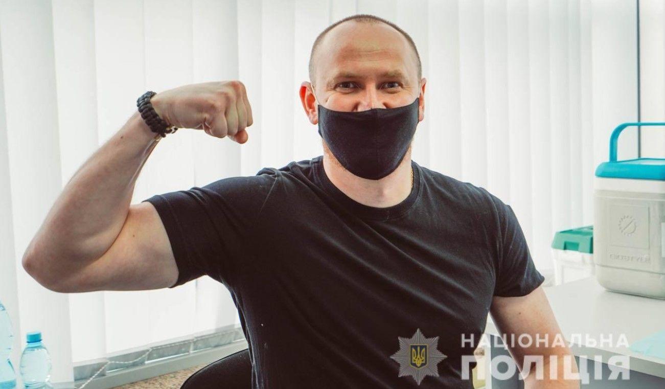 В Украине начали вакцинацию правоохранителей от COVID-19