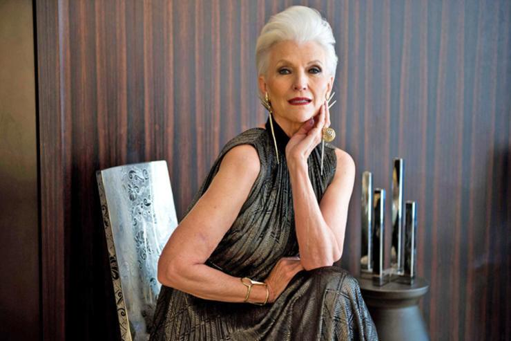 Мать Илона Маска 72-летняя Мэй уделала молодых моделей