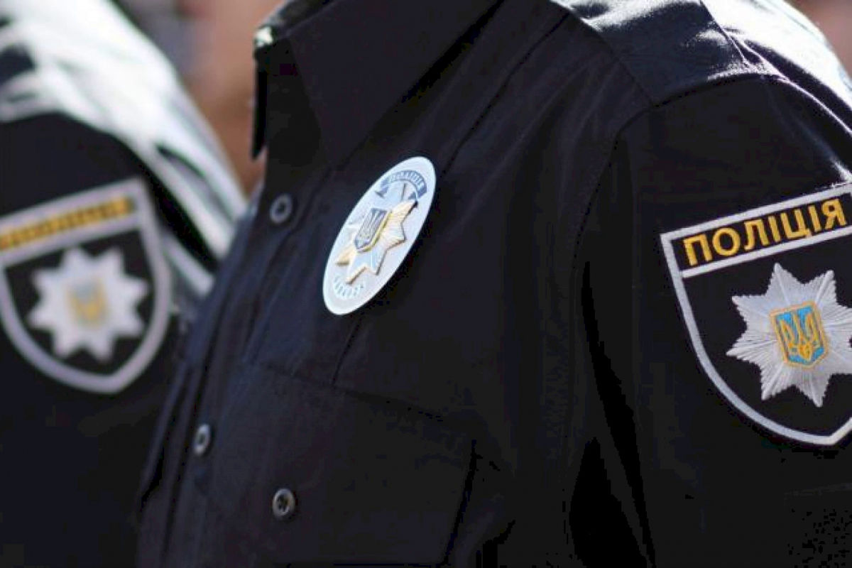 Пять лет тюрьмы за серп и молот: полиция предупредила украинцев перед 9 Мая