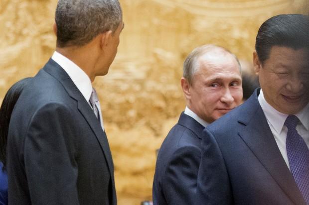 """США """"отбили"""" у России статус мирового лидера по добыче нефти"""
