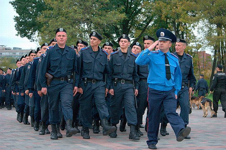 СМИ: Около сотни военнослужащих патрульно-постовой службы Донецка присягнули ДНР