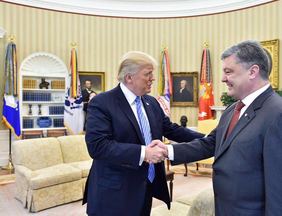 """Украина получит летальное оборонительное оружие из США, - Порошенко подтвердил реальность передачи """"Джевелинов"""" из Вашингтона"""