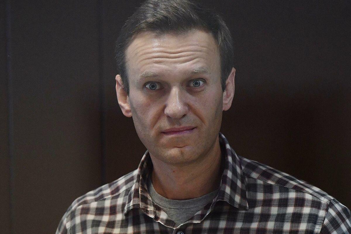 """""""Из еле волочащего ноги скелета"""", - Навальный из тюрьмы рассказал о личной """"трансформации"""""""