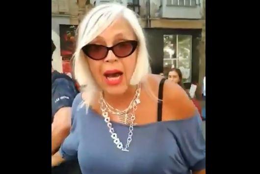 Любительница РФ из Николаева кидалась на прохожих и кричала, что Украины нет, - опубликованы скандальные кадры