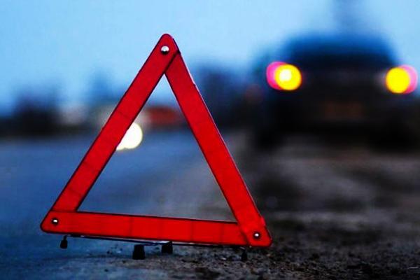 """Донецк """"гудит"""" после громкого ДТП: пьяный боевик протаранил машины и влетел в дерево возле детской площадки"""