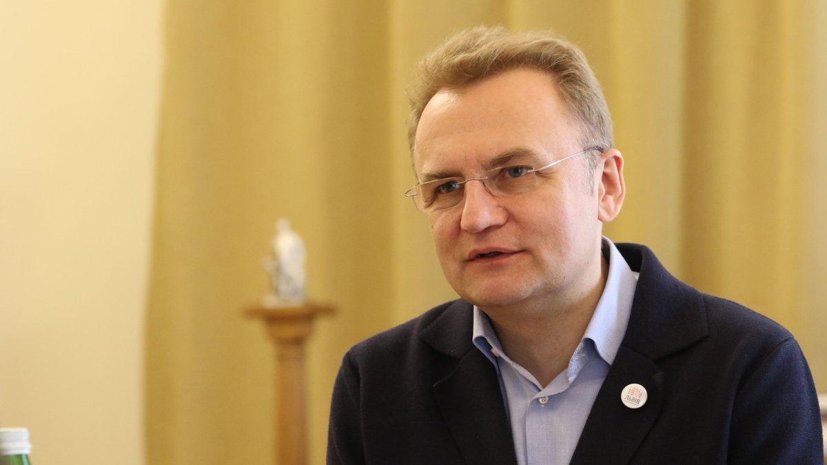 Отменивший во Львове карантин выходного дня мэр Садовый заболел коронавирусом