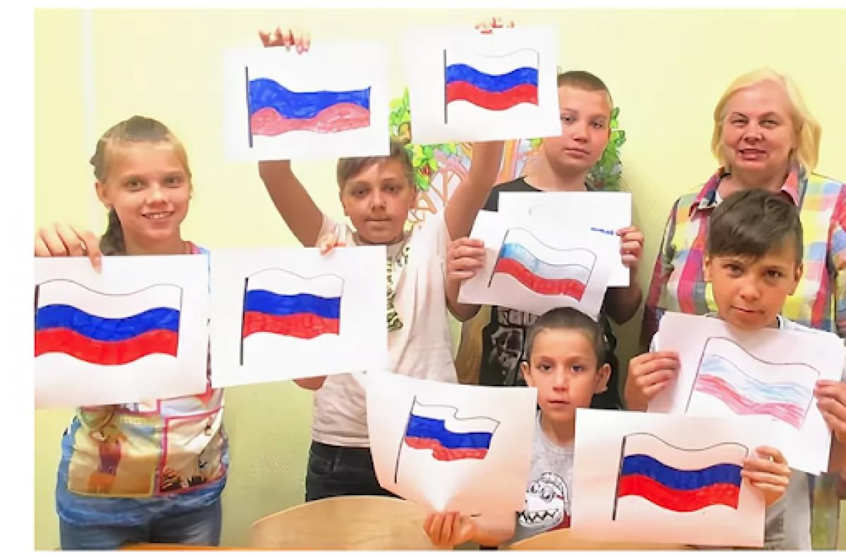 """В """"ДНР"""" маленьких детей в саду заставили """"предать"""" Украину: акция вызвала негодование соцсетей, фото"""