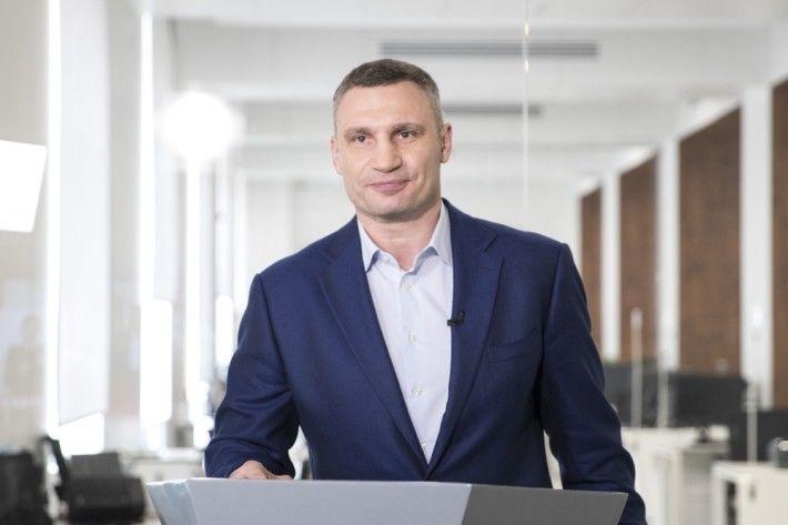 """""""Еще один богатырь растет"""", – Виталий Кличко показал редкое фото со старшим сыном Егором-Дэниелем"""