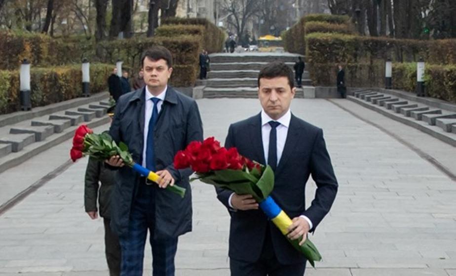 Зеленский мощно обратился к украинцам в 75-ю годовщину изгнания нацистов - фото