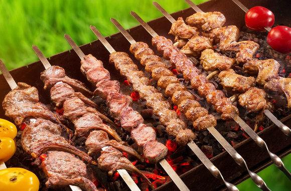 Как быстро и хорошо замариновать мясо для шашлыка: главные секреты маринада