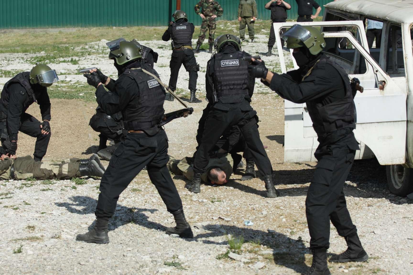 СБУ: при попытке бежать в Россию задержаны два члена ДНР